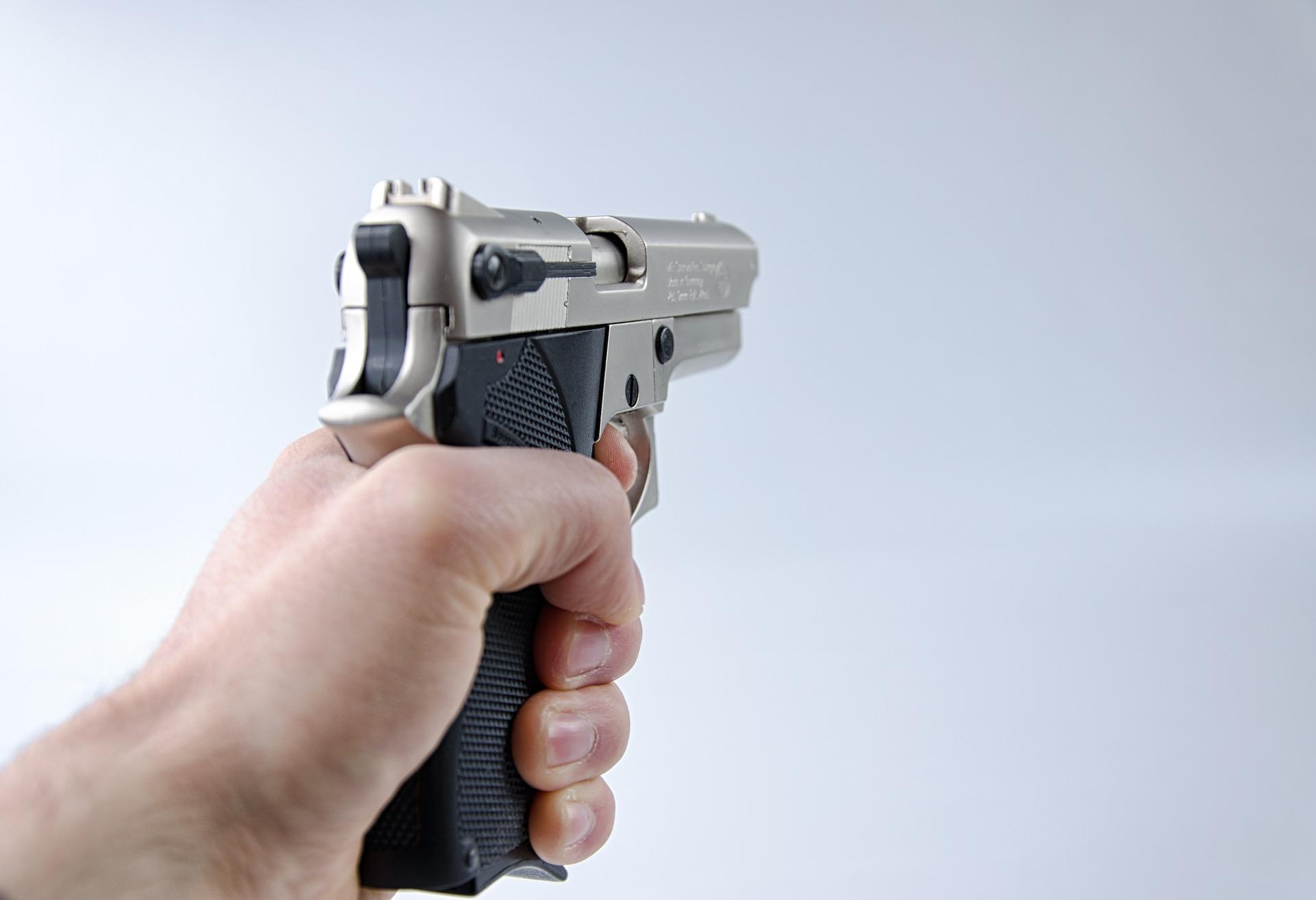 pistola stesa volla