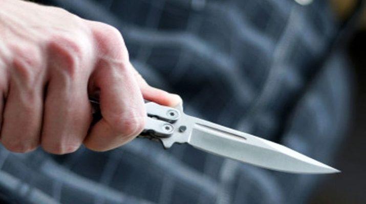 coltello ferita mugnano