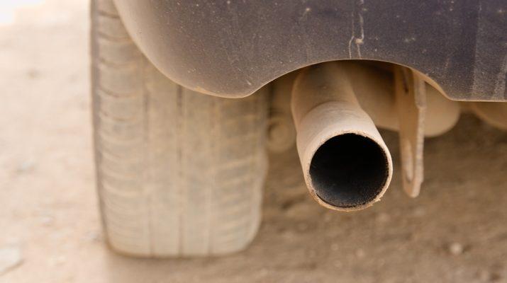 tubo di scarico auto