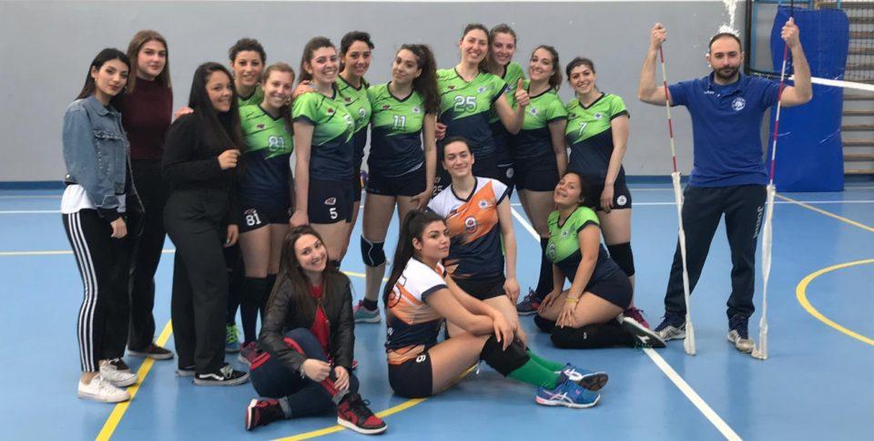 La squadra dell' Acerra Volley