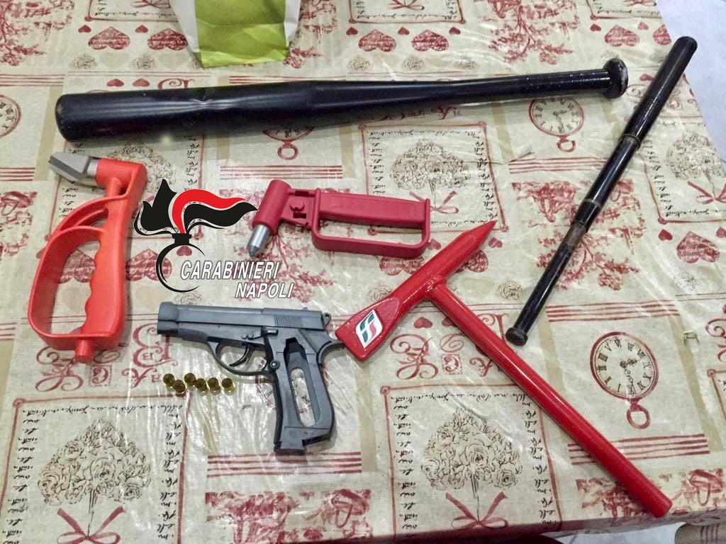"""""""Alto impatto"""" a Casoria: sequestrate una pistola a salve, uno sfollagente e una mazza da baseball - L'Indisponente"""