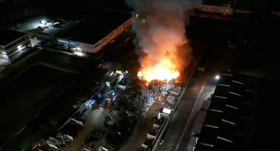 Acerra foto incendio zona industriale